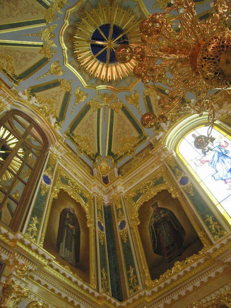 Интерьер Церкви в п. Вырица (1)
